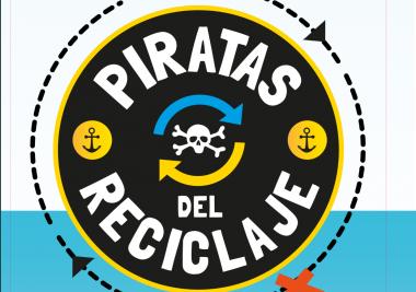 """Los """"Piratas del reciclaje"""" recorren las playas de la Costa del Sol"""