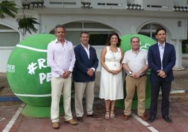 La Mancomunidad y Ecovidrio aúnan tenis y reciclaje en una nueva campaña