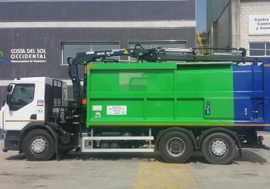 La Mancomunidad de Municipios de la Costa del Sol Occidental ha puesto en servicio un nuevo camión para el servicio de recogida selectiva de envases ligeros.