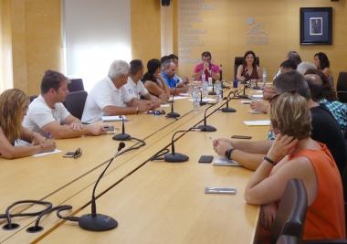 La Mancomunidad promueve un estudio sobre la causa de la presencia de medusas y sus posibles soluciones